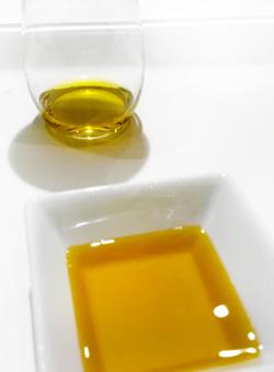 Aceite de oliva, el perfecto desmaquillante